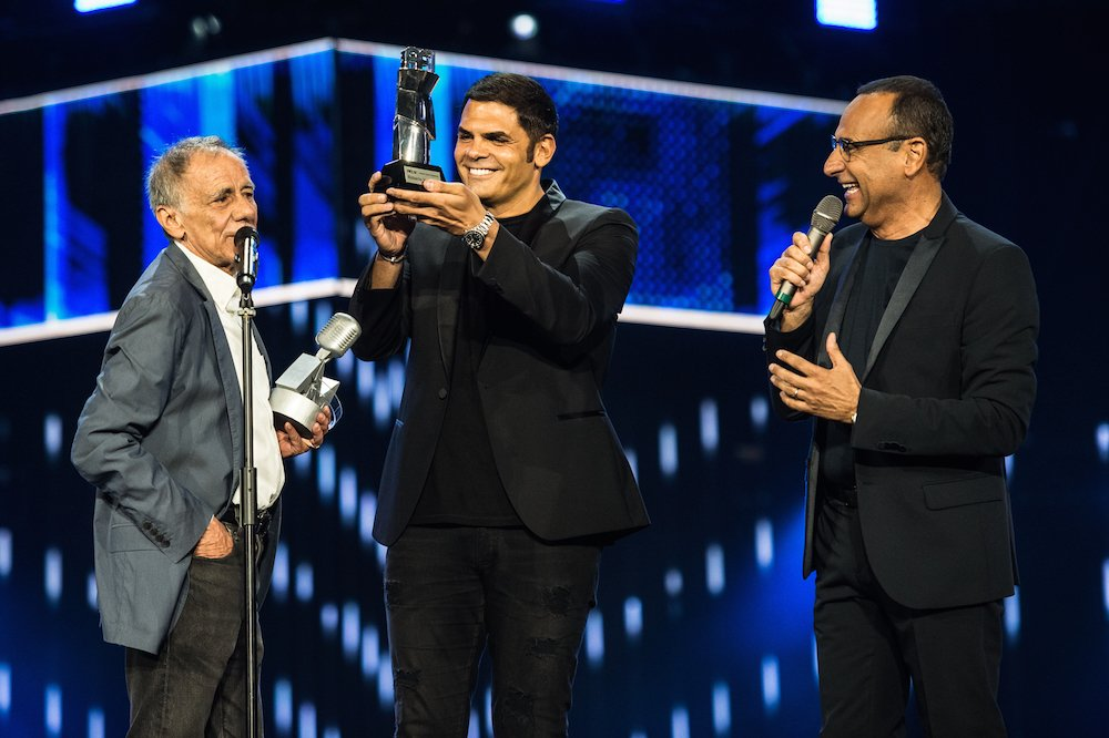 "AFI Award for Roberto Vecchioni during ""Seat Music Awards"""