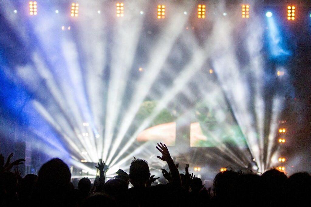 Il presidente dei discografici dice che per il governo «la musica non esiste»